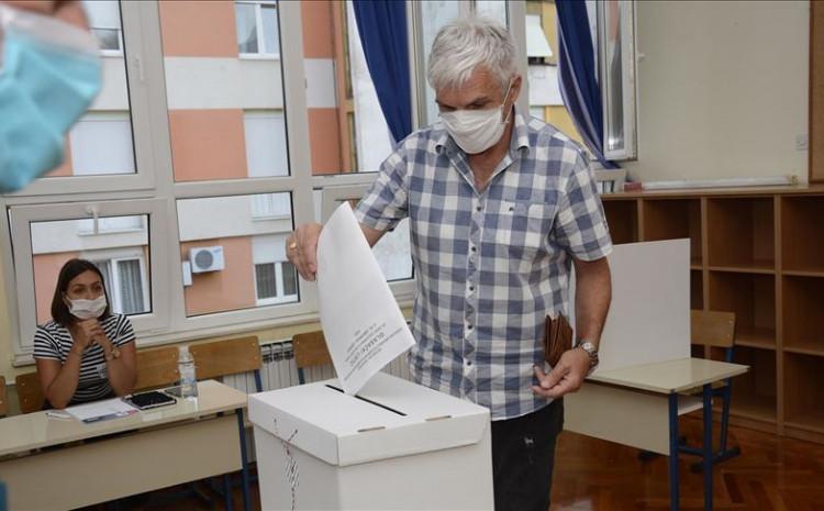Svoje biračko pravo u drugom krugu lokalnih izbora u nedjelju prijepodne iskoristilo je 14.09 posto birača