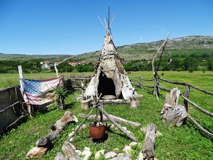 Kaubojsko-indijanski ranč