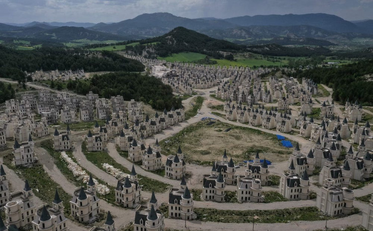 Grad od 530 dvoraca