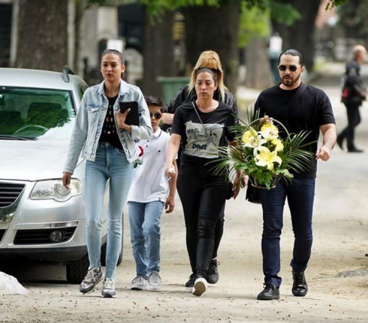 Pjevačeva porodica, kćerke Marija i Ana, zet Adil Maksutović, bivša supruga Nada