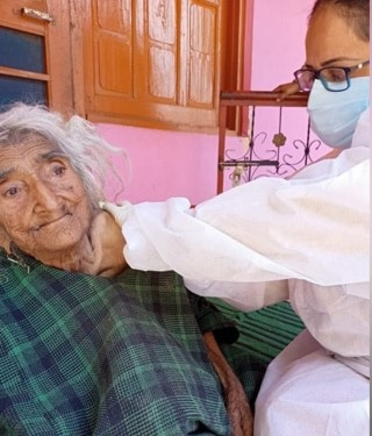 Rehti Begum na vakcinaciji