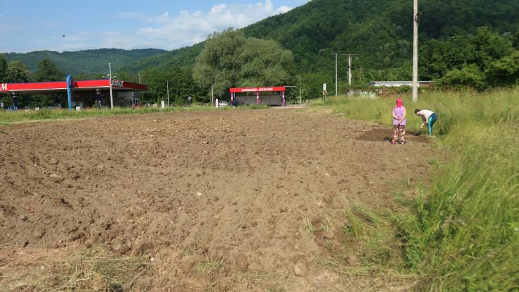 Na zemljištu gdje je bila crkva planira zasaditi cvijeće