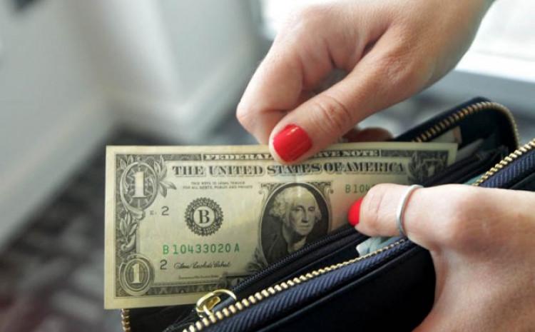 Nakon što je žena primila novčanik u ruke, vratila su se stara sjećanja