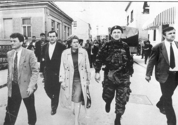 BIljana Plavšić dočekala Arkana u Bijeljini na početku rata