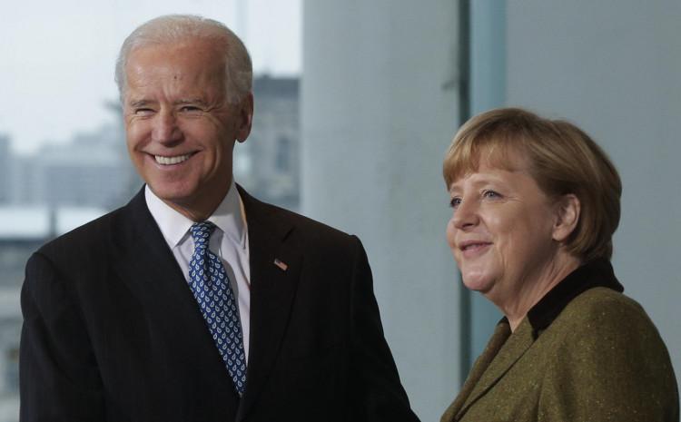 Džo Bajden i Angela Merkel