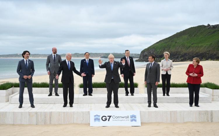 Lideri se okupili na plaži