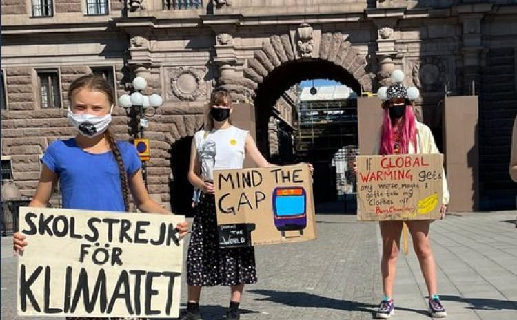 Greta nastavila proteste