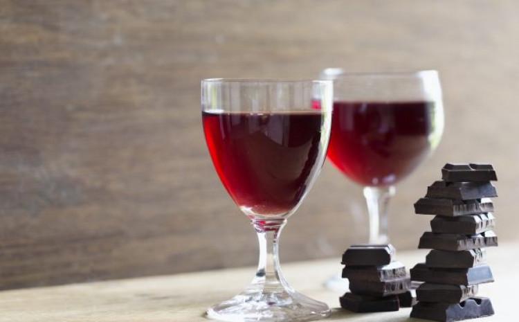 Crveno vino kao sredstvo za čišćenje lica