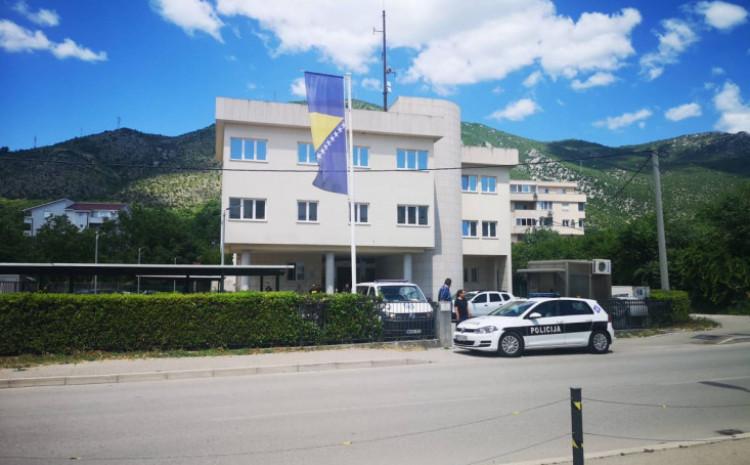 Pojačane policijske snage u Rudarskoj ulici i ispred sjedišta SIPA-e