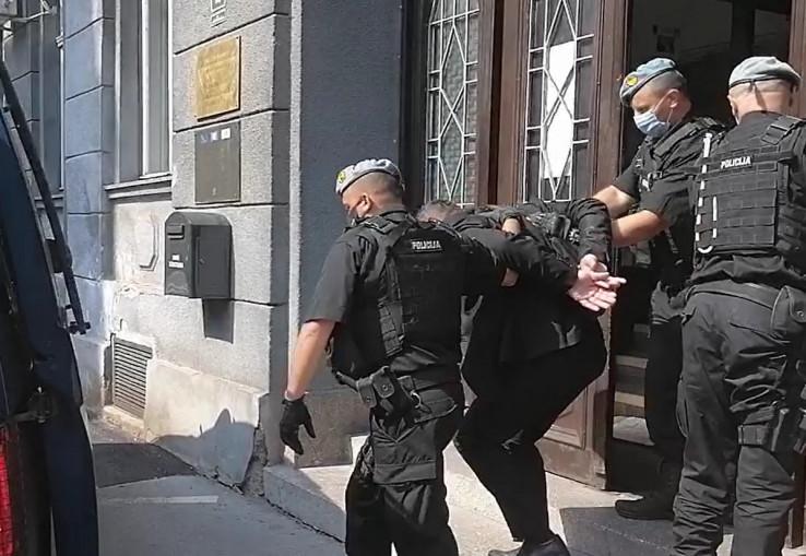 Izvođenje uhapšenog Muamera Ožegovića