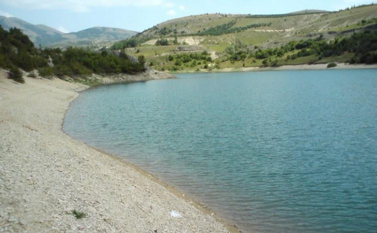 Jezero Mandek