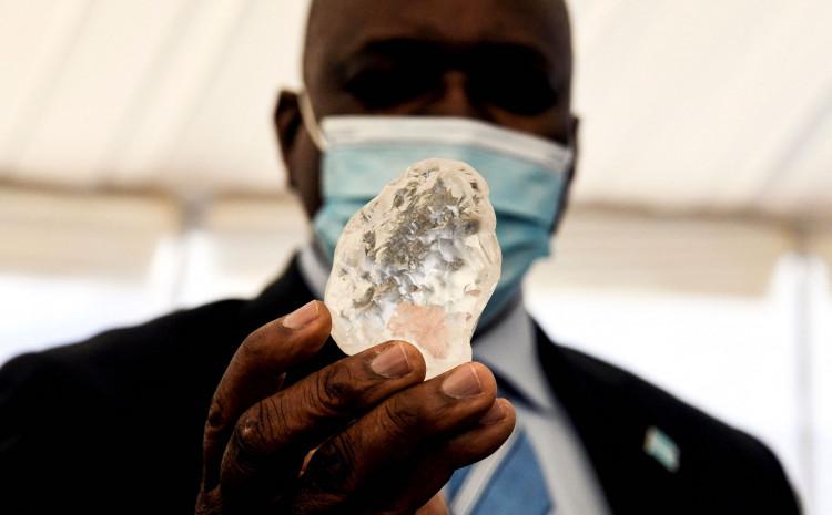 Pronalazak vrijednog kamena budi nadu siromašnoj naciji