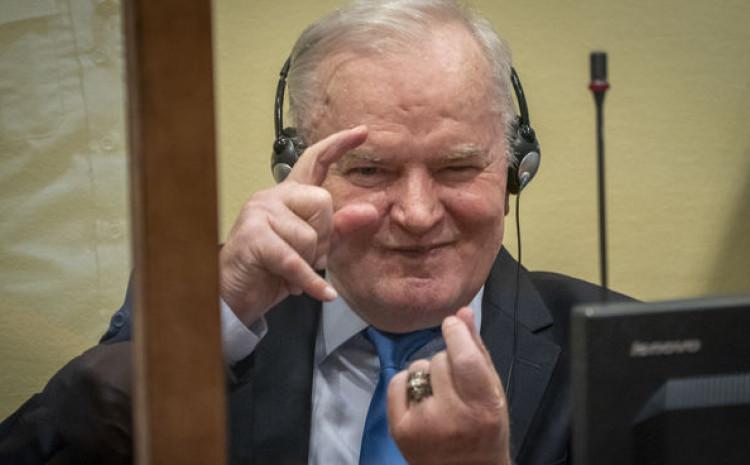 Ratko Mladić, ratni zločinac