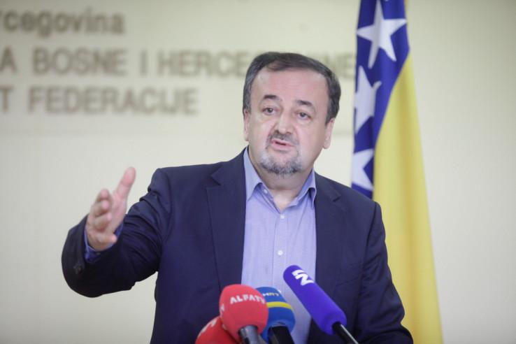Marić: Prepisati crnogorski zakon
