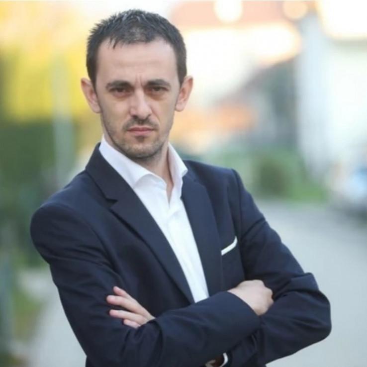 Francuz: Jednakost u pristupu javnim dobrima