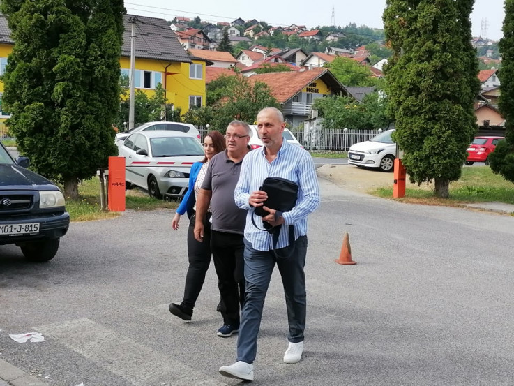 Advokat Ifet Feraget s Murizom i Arijanom Memić