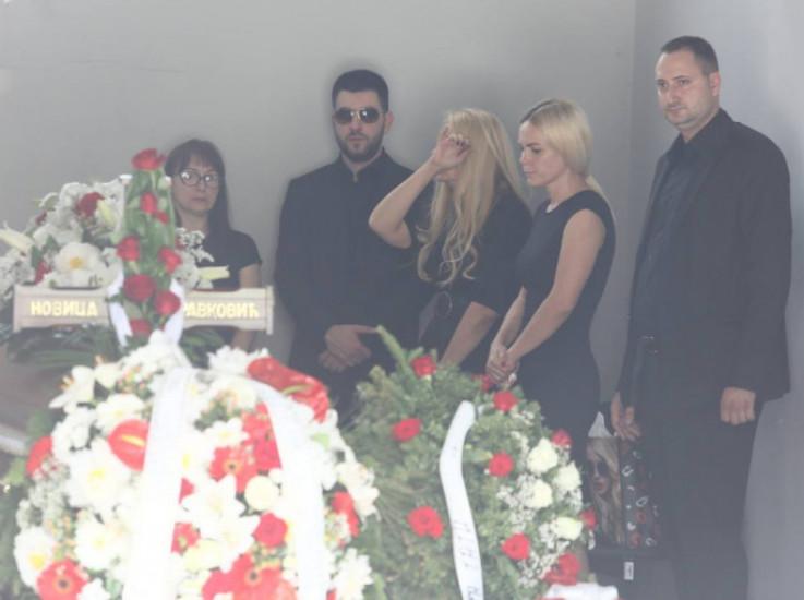 Porodica je željela da popularnog pjevača isprati mirno, bez velik medijske pažnje i gužve
