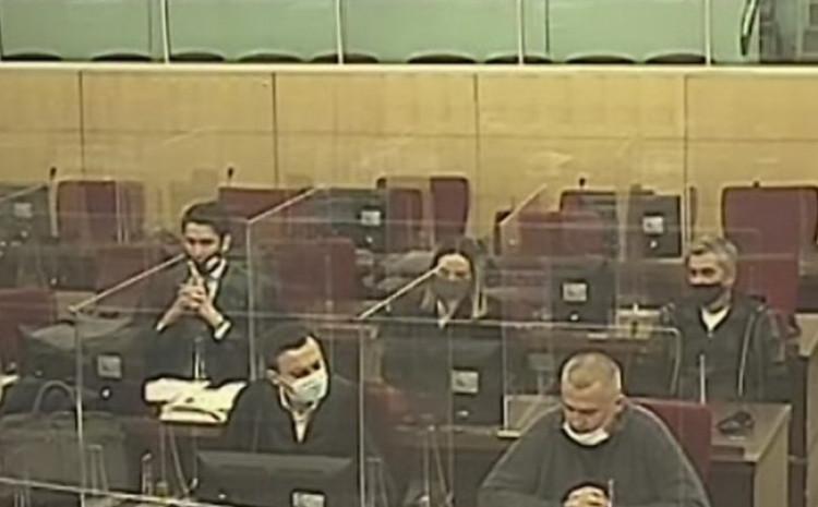 Dupovac i Mutap u sudnici s advokatima