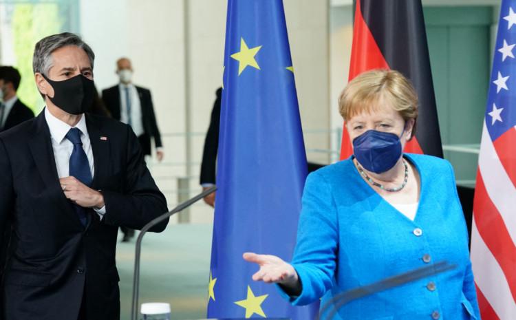 Entoni Blinken i Angela Merkel