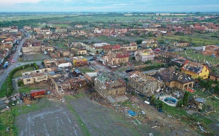 Tornado ostavio pustoš