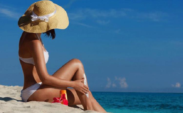 Sprej za sunčanje se znatno lakše nanosi na tijelo