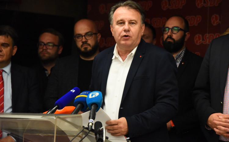 """SDP BiH: Ljuti zbog glasanja  """"drugova"""" u EU Parlamentu"""