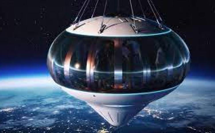 Kapsula može smjestiti osam putnika i pilota