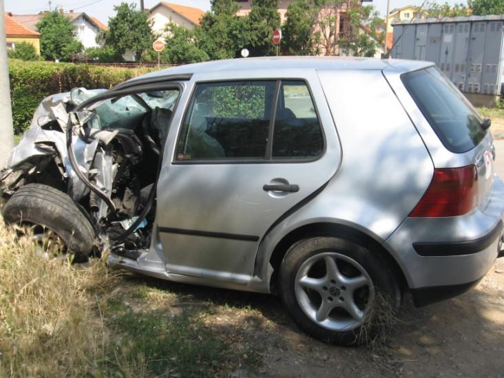 Vozila uništena skoro do neprepoznatljivosti