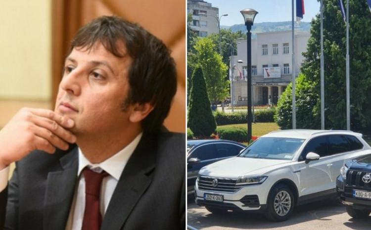 Vukanović o premijerovoj limuzini