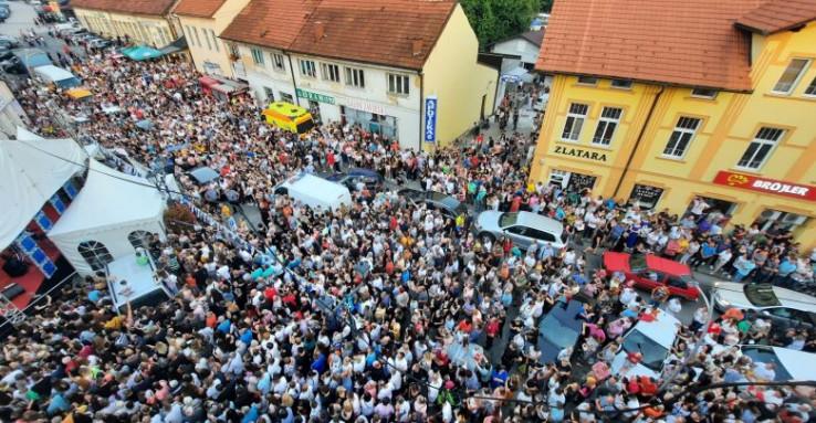"Hiljade ljudi na dočeku pobjednika ""Zvezda Granda"""