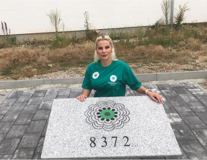 Duda Balje, zajedno sa saradnicima, otkrila spomeni-ploču u Peći