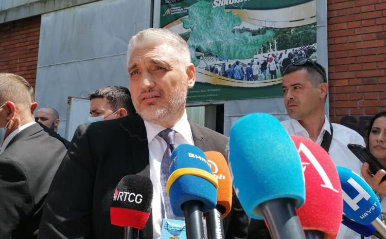 Jovanović:  Što je za jedno oko Vukovar, za drugo je Srebrenica