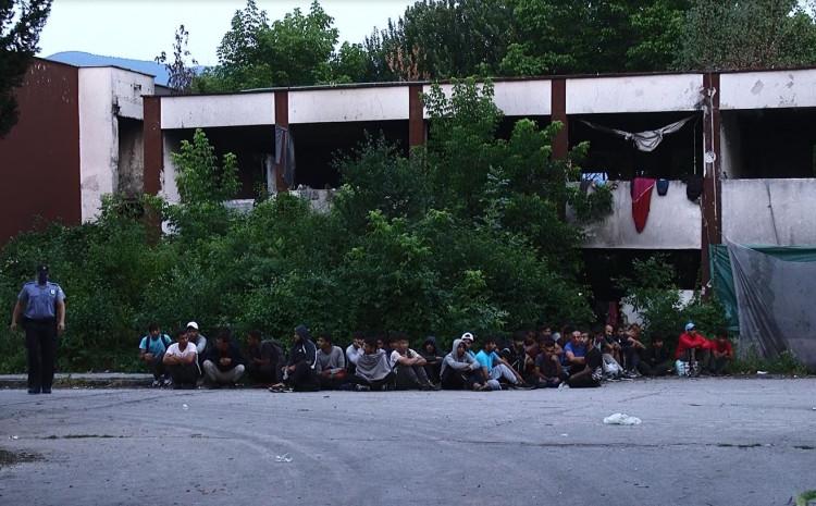 Migranti bili u neuslovnom objektu