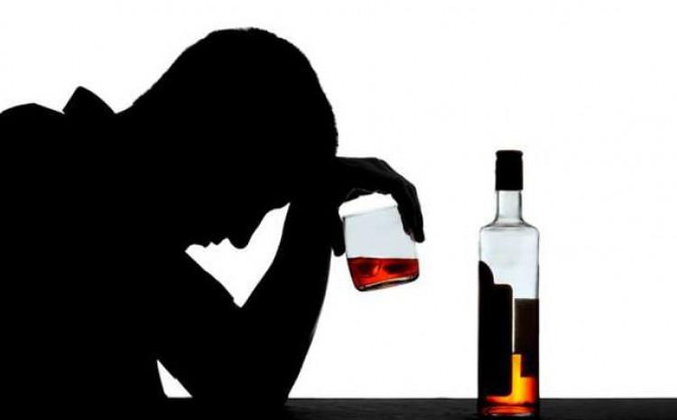 Konzumiranje previše alkohola može izazvati oštećenje jetre, kao i rak