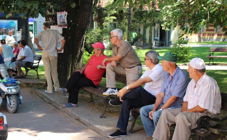Penzioneri će dobiti pomoć