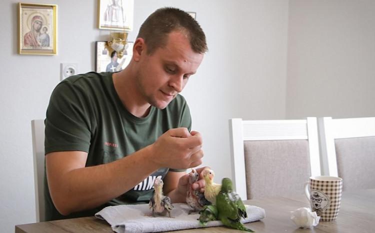 Boris Krečar: Ljubav prema papagajima
