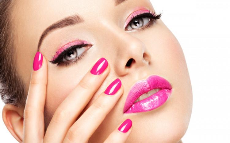 Ružičaste boje na obrazima i usnama brzo će popraviti stvar