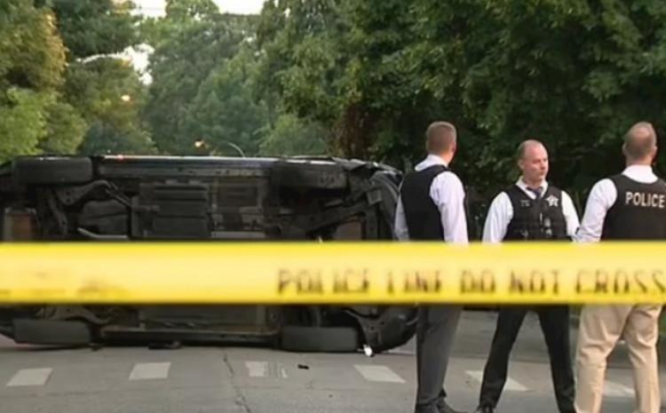 Na drugom mjestu pucnjave policija je pronašla i prevrnuti automobil