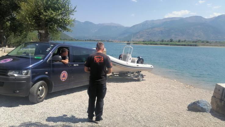 Mladić za čijim tijelom se traga navodno se nalazio na splavu sa kojeg je skočio u jezero i nije izronio.