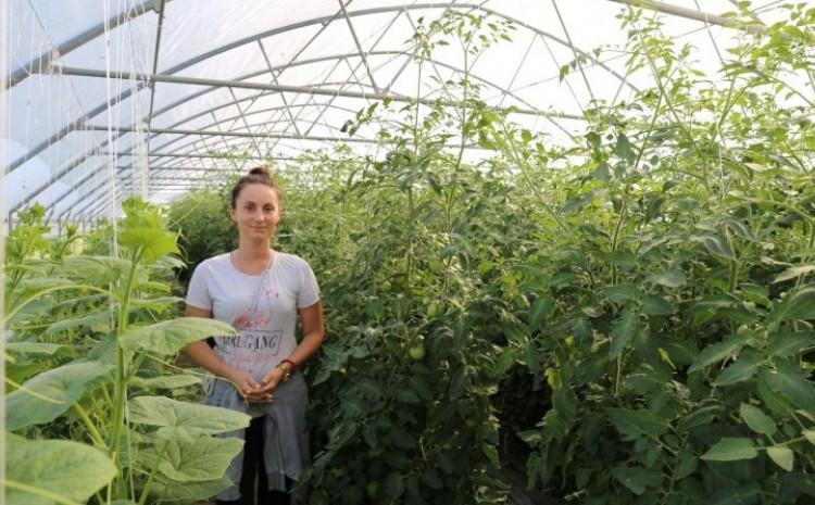 Babić je preuzela vodeću ulogu u procesu osnivanja lokalne zadruge poljoprivrednih proizvođača