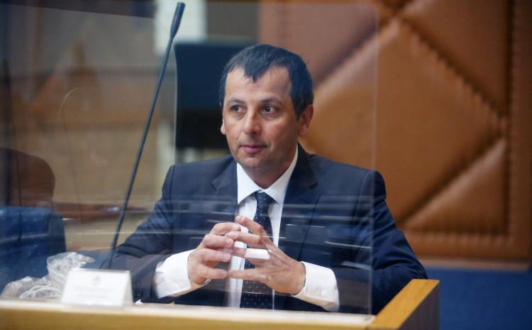 Vukanović: Osim Dodika i Bakira, neće imati koristi