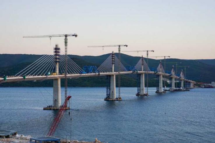 Spektakularni prizori mosta