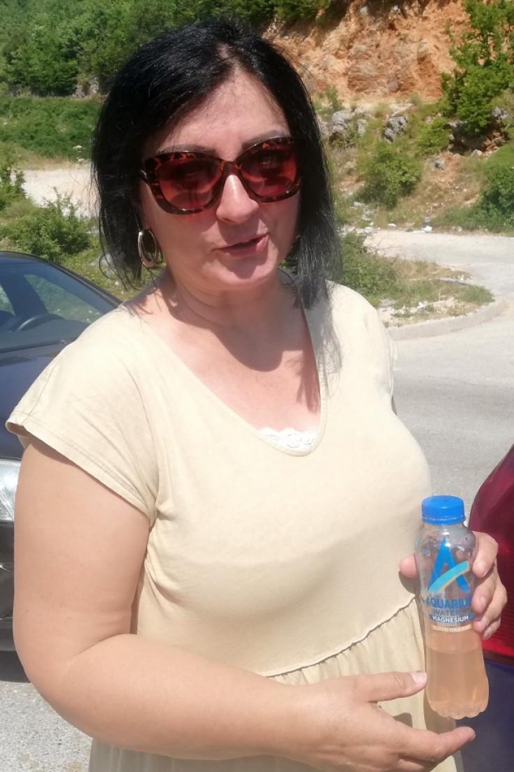 Jasmina iz Sarajeva kaže da su u koloni pola sata