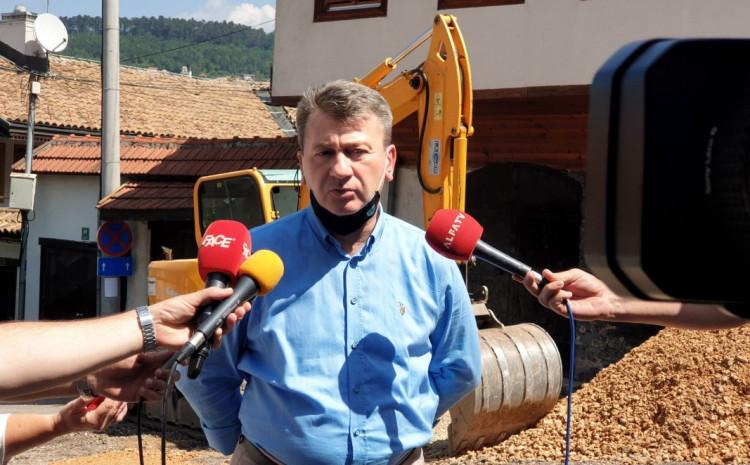 Nastavak predanog rada: Prvih osam mjeseci četvrtog mandata načelnik Hadžibajrić se fokusirao na infrastrukturu, pomoć privredi i socijalna davanja