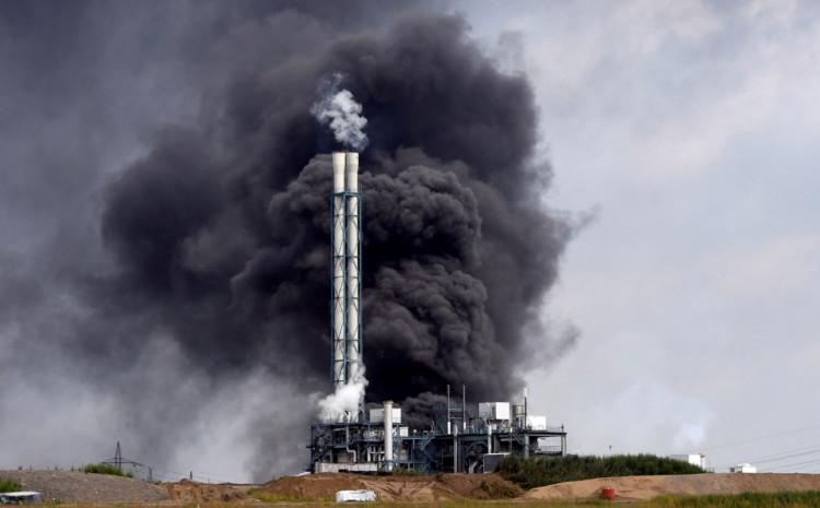 Do požara je došlo nakon što se u blizini spalionice otpada zapalio spremnik s gorivom