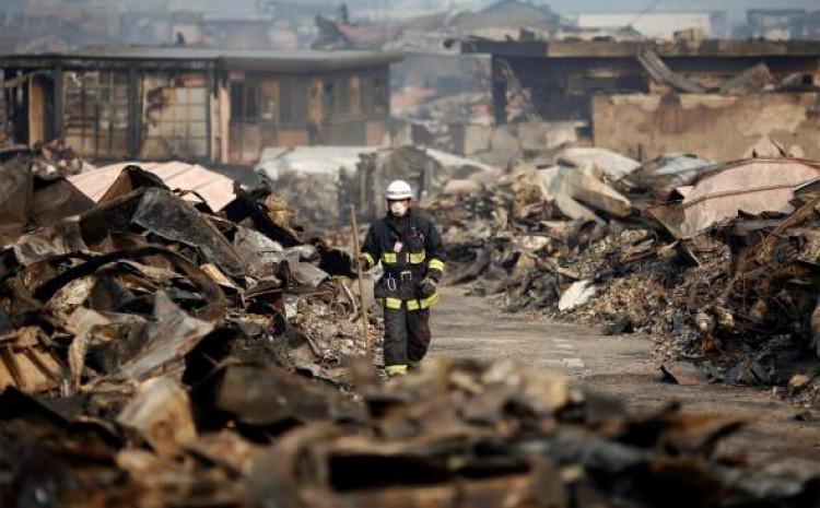 U zemljotresu poginulo najmanje 242.000 ljudi