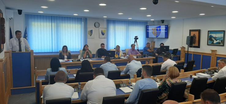 Sa sjednice Skupštine: Nedolične parlamentarne rasprave