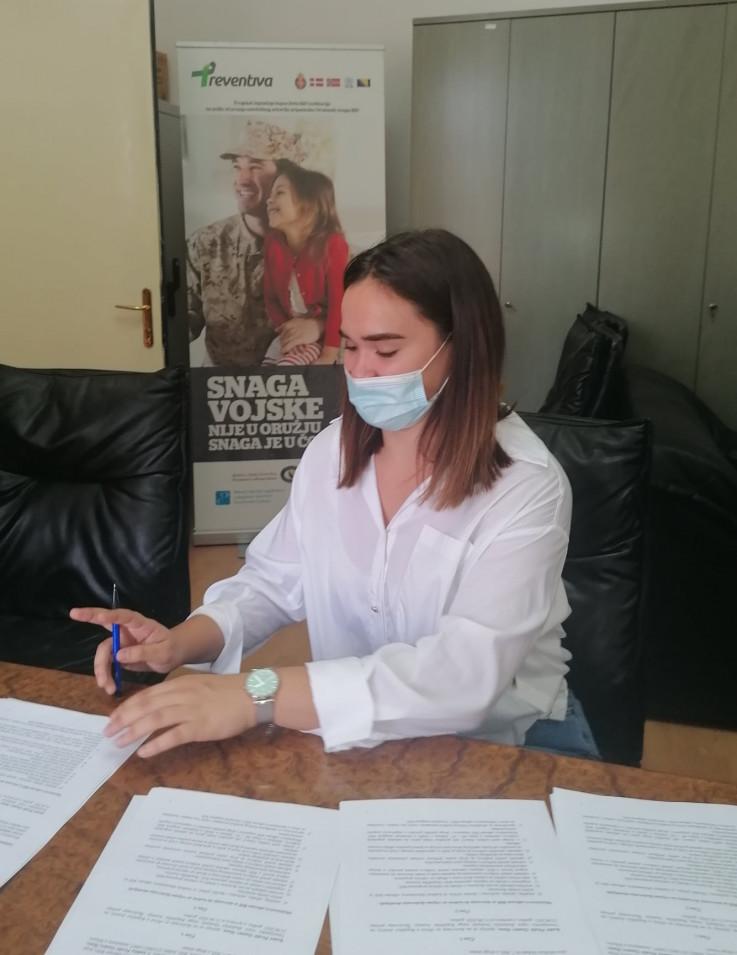 S potpisa ugovora
