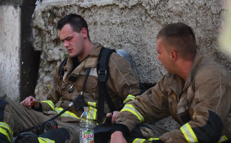 Vatrogasci svakodnevno riskiraju živote