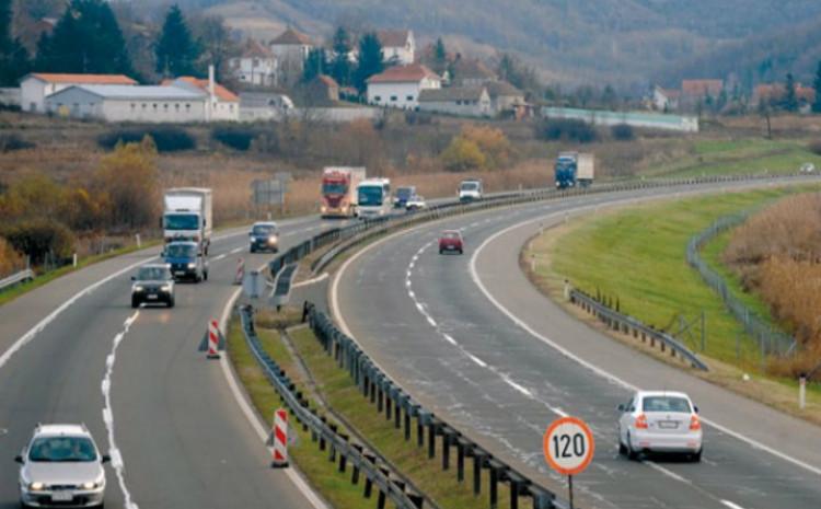 Saobraćaj se na dionici autoputa A1 odvija dvosmjerno